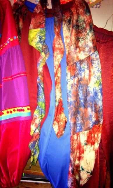 fantasiebroek en afrikaanse batikbroekmini
